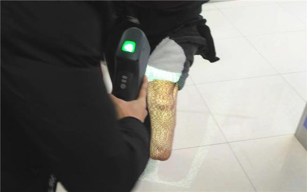 腿部三维扫描.jpg